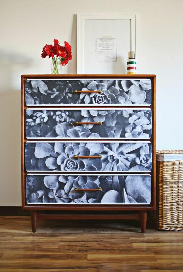 1-meuble-d-appoint-commode-en-bois-coloré-noir-blanc-fleurs-rouges-peintures