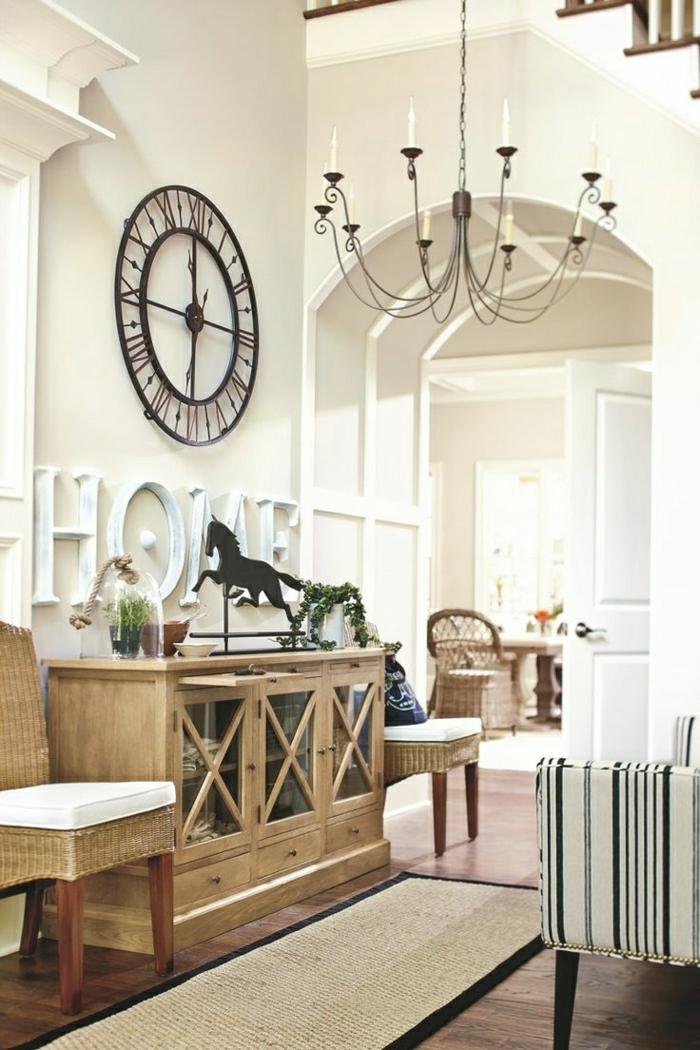 1-meuble-d-appoint-commode-en-bois-idée-chaise-en-bois-décoration-murale