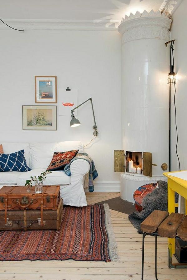 1-meubles-industriels-aménagement-industriel-canapé-blanc-coussins-colorés-cheminée