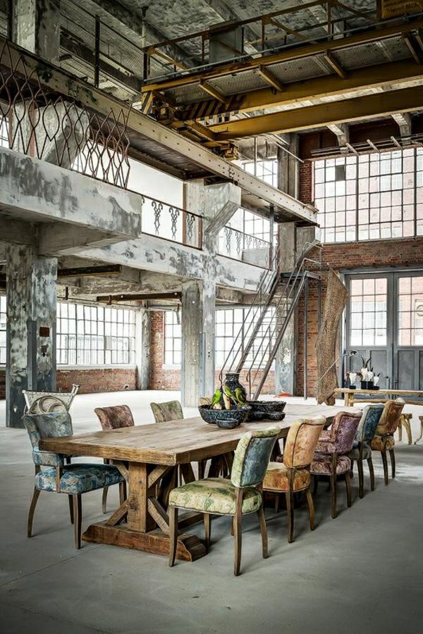 1-meubles-industriels-aménagement-industriel-table-et-chaises-industrielles-maison-insolite