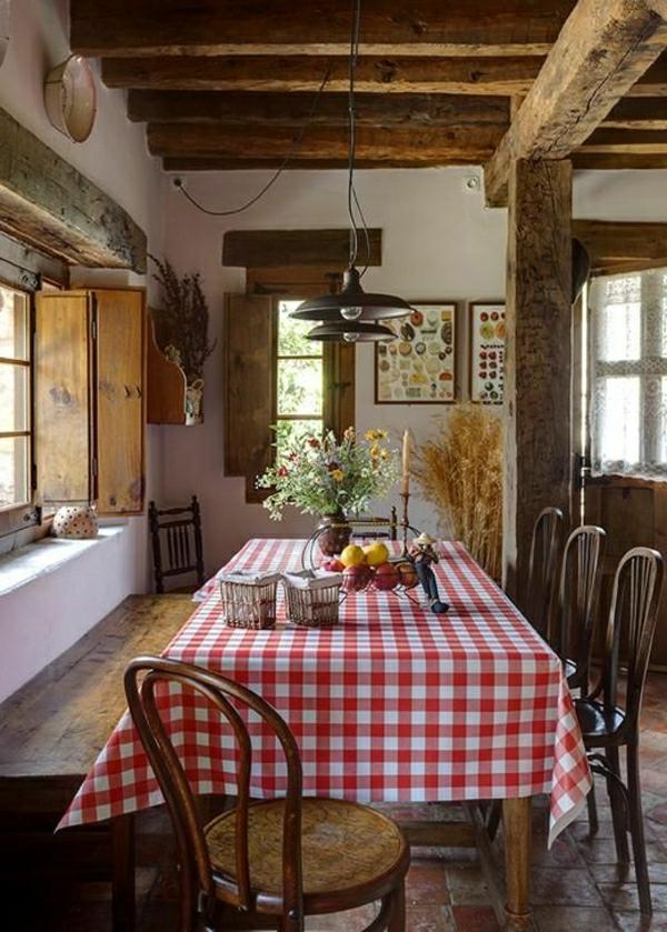 101 id es pour la nappe de table un accessoire indispensable - Mesa cocina rustica ...