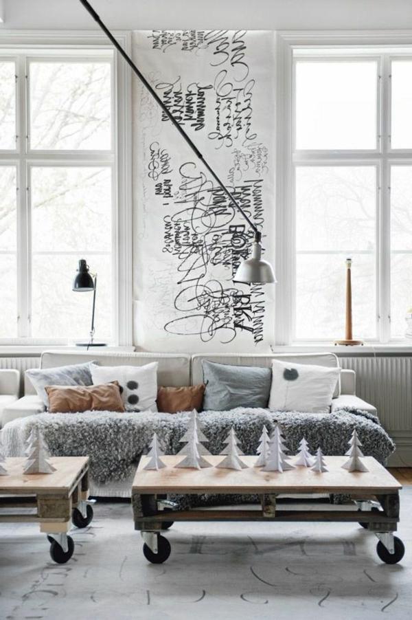 1-palette-table-basse-fabriquer-une-table-salon-canapé-blanc-coussins