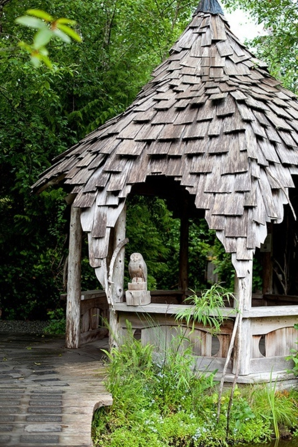 1-pergola-en-bois-jardin-rustique-kisoque