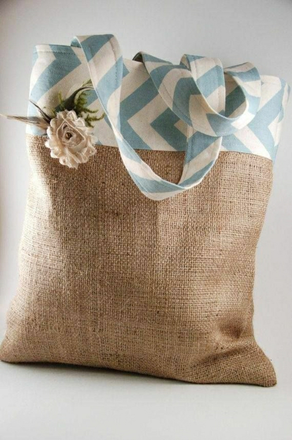 1-sac-de-plage-à-main-en-tissu-beige-bleu-blanc