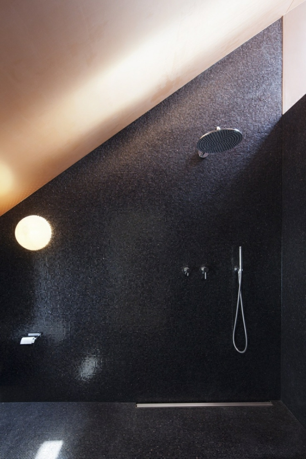1-salle-de-bain-luxe-noir-carrelage