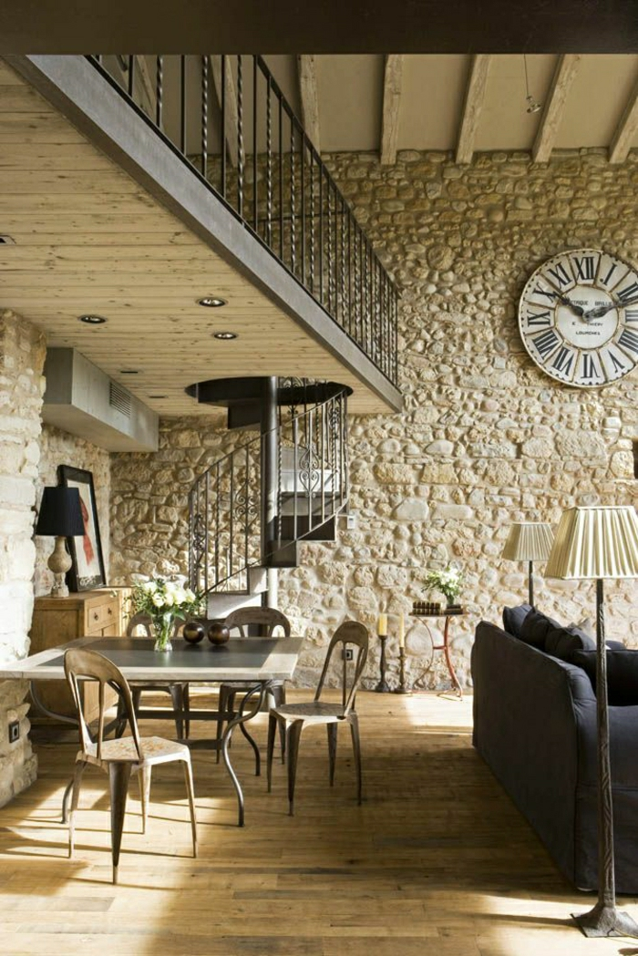 1-salle-de-séjour-vaste-moderne-mur-de-pierre-horloge-murale