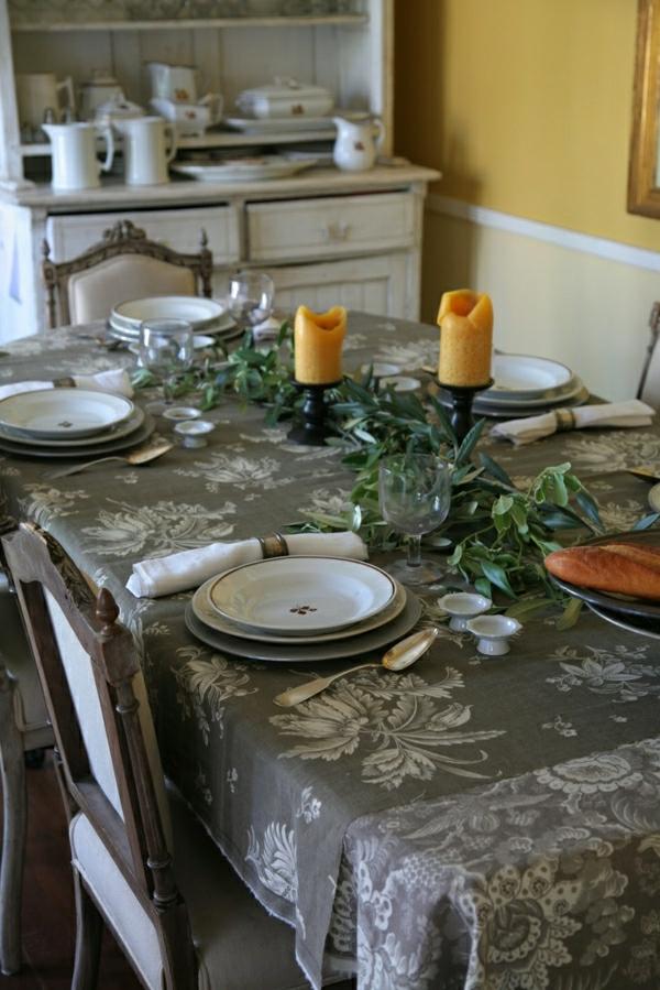 1-set-de-table-gris-élégant-bougie-table-vintage-intérieur-moderne-salle-de-séjour