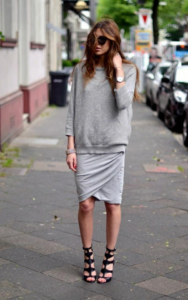 1-sweatshirt-femme-gris-jupe-mi-longue-gris-lunettes-de-soleil