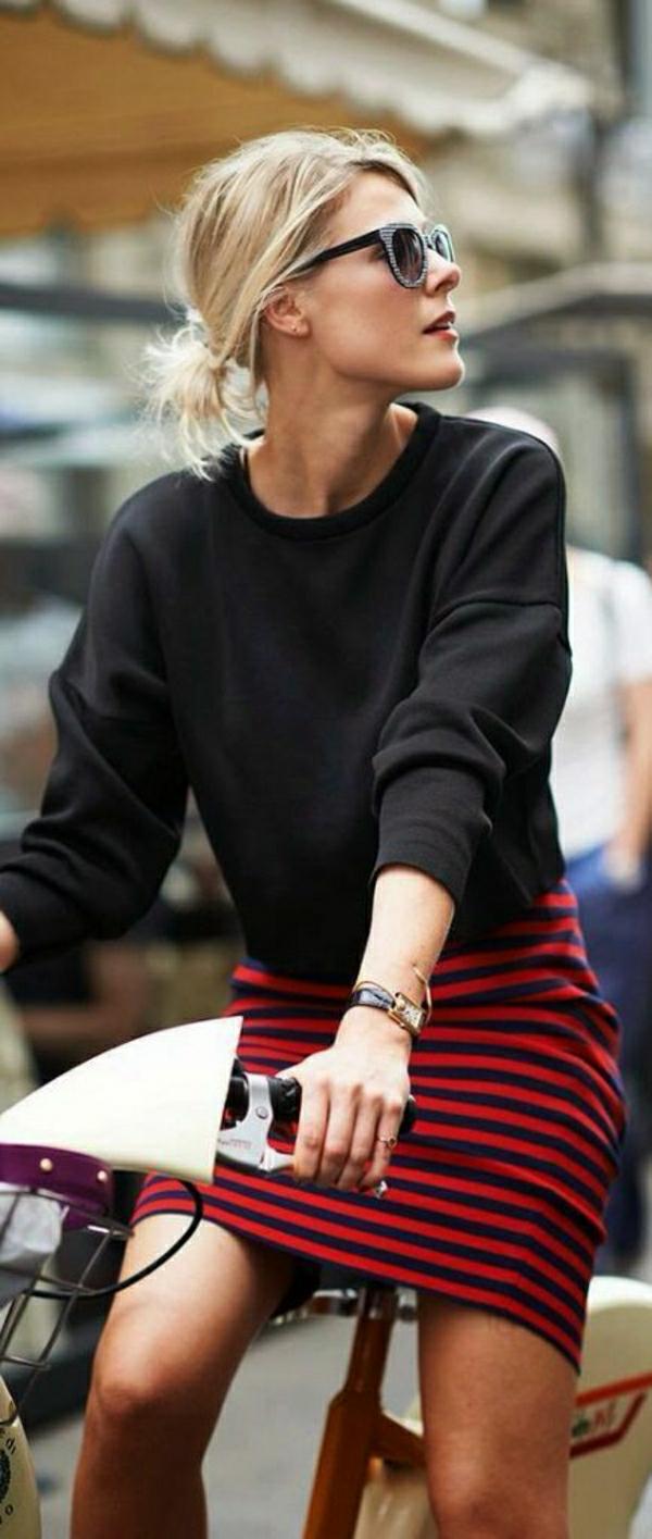 1-sweatshirt-femme-noir-mode-jupe-aux-rayures-noir-rouge