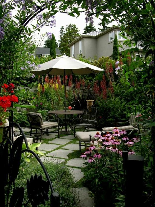 1-tables-de-jardin-chaises-fleurs-maison