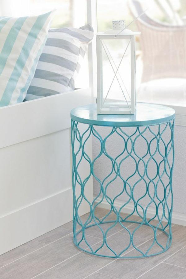2-table-chevet-chambre-à-coucher-lit-coussins-diy-chevet-bleue-de-poubelle