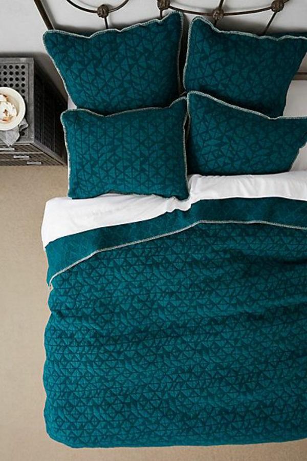 Boutis-couvre-lit-chambre-à-coucher-moule-coussins-bleu-fonce