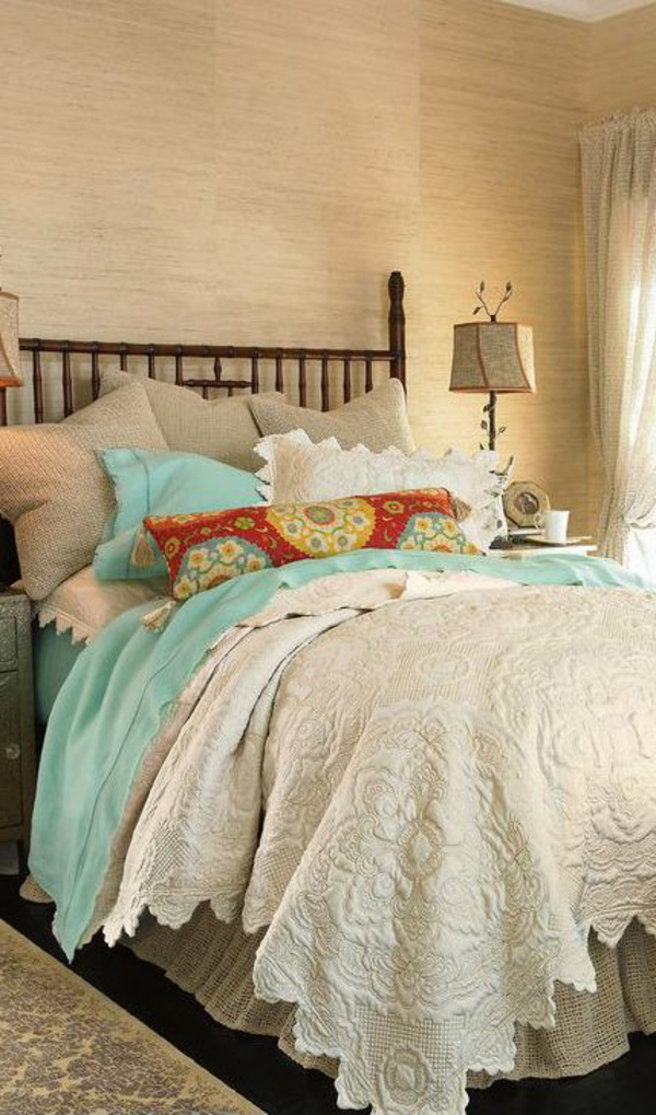 Boutis-couvre-lit-chambre-à-coucher-rustique-crouchet