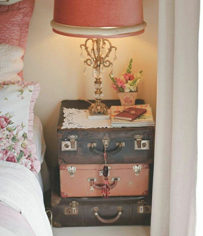 60 id es avec la valise vintage for Table de chevet bebe