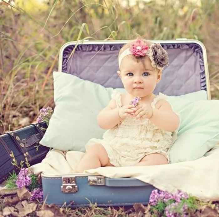 Déco-mignon-vintage-valise-orgeuilles-bébé