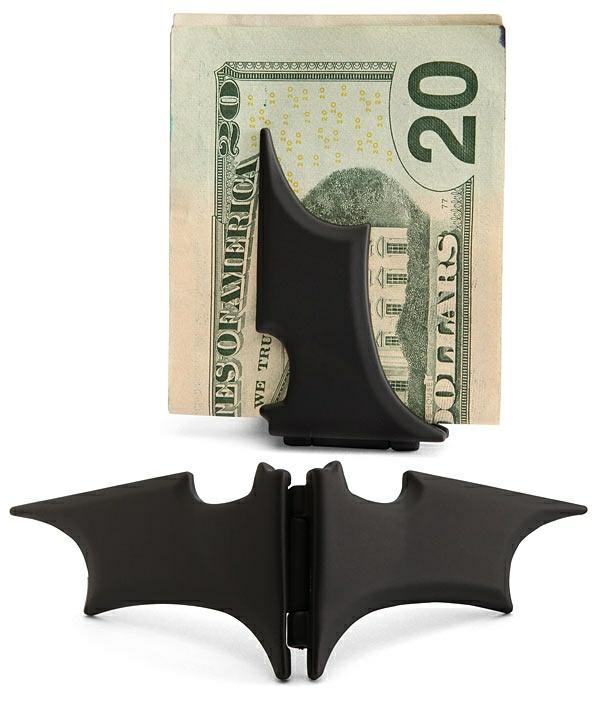 Fete-cadeau-geek-idee-originale-batman-argent-holder