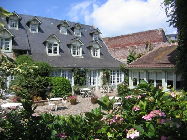 France-Veules-douce-fleurs-jardin-maison