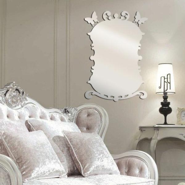Idee-creative-miroir-mur-stickers-sofa-lampe