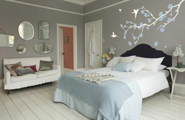 La-decoration-de-vos-murs-avec-sticker-arbre-chamre-a-coucher