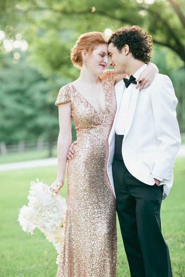Robe-rose-de-mariée-élégante-couple