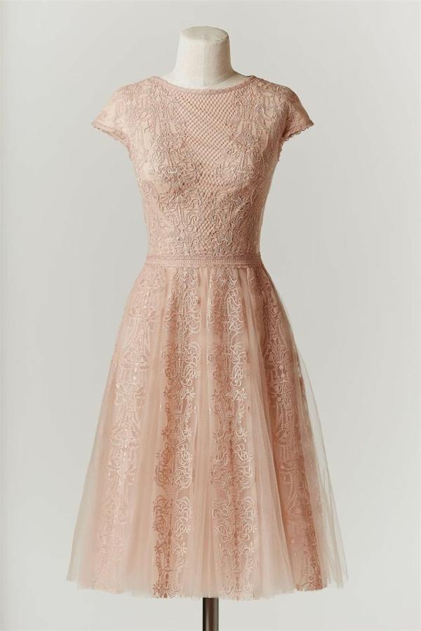 Robe-rose-de-mariée-élégante-courte-dantelle