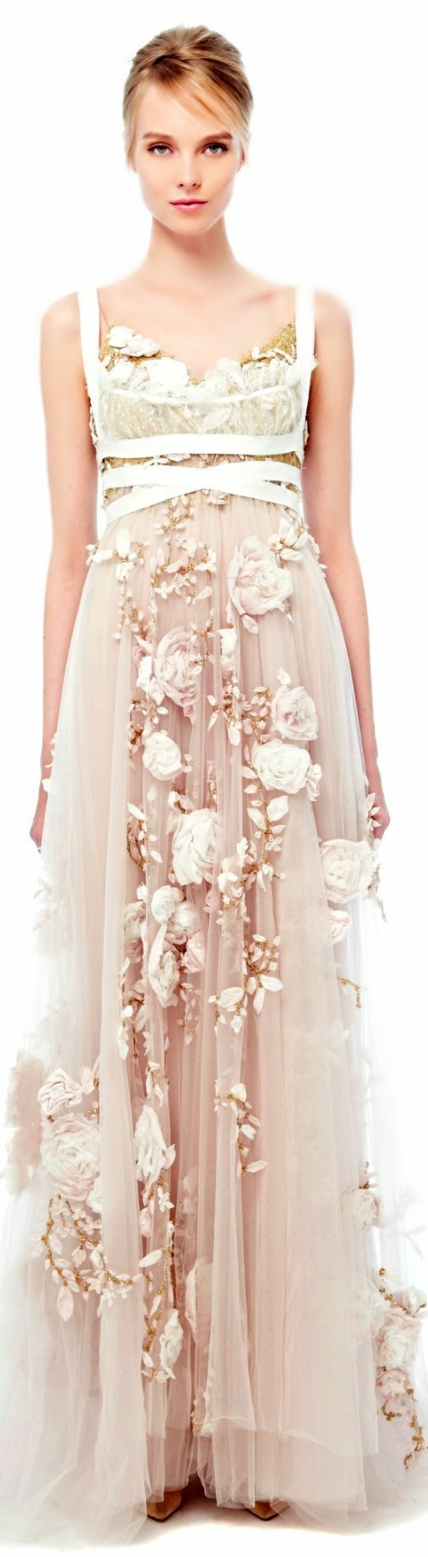 Robe-rose-de-mariée-élégante-fleurs