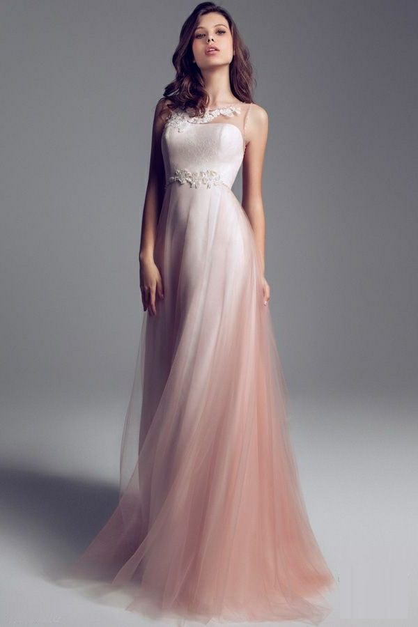 Robe-rose-de-mariée-élégante-longue