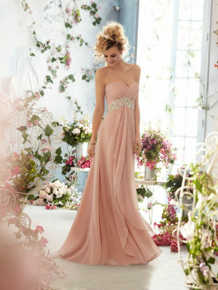 Robe-témoin-marriage-rose-longue-cristaux