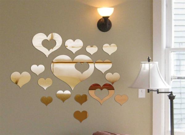 Sticker-mural-miroir-reflection-coeurs