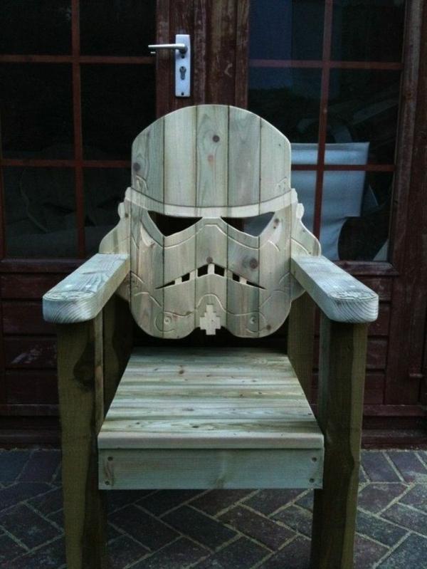 Un-cadeau-homme-femme-geek-chaise