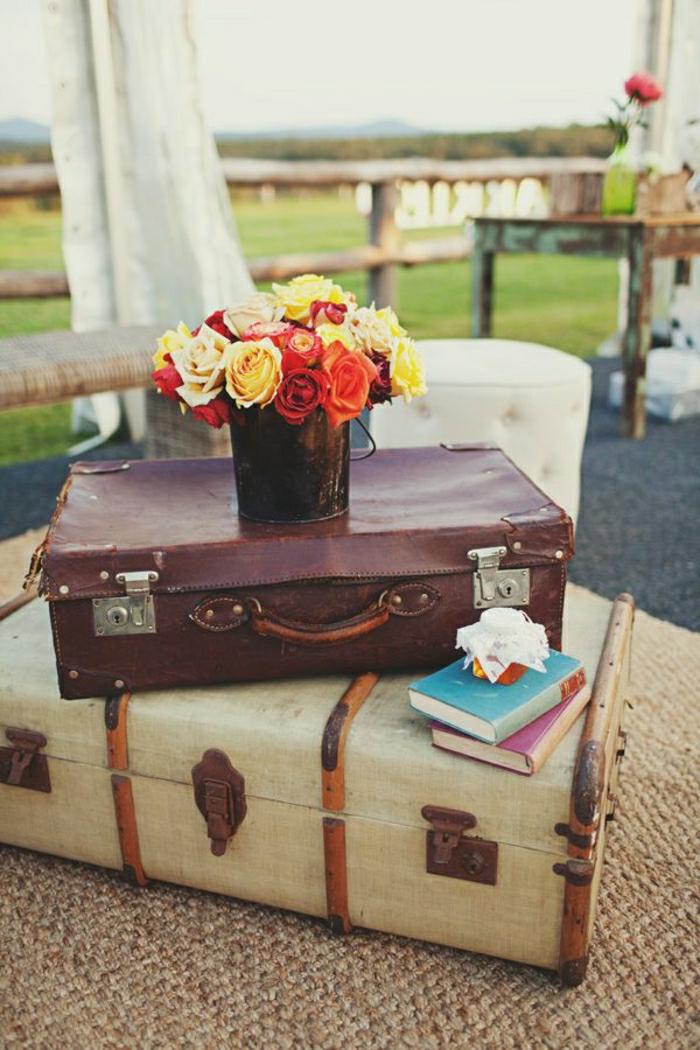 Valise-bricolage-idée-créative-ranger-fleurs-vase-livres