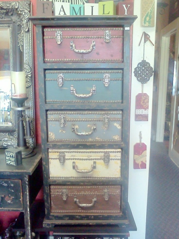 Valise-meuble-idee-deco-chambre-placard