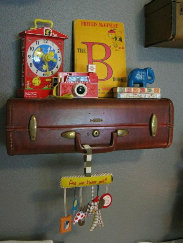 Valise-vintage-intérieur-idées-etagere