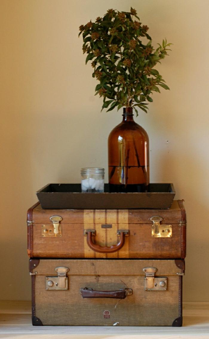 Valise-vintage-intérieur-idées-table-fleur