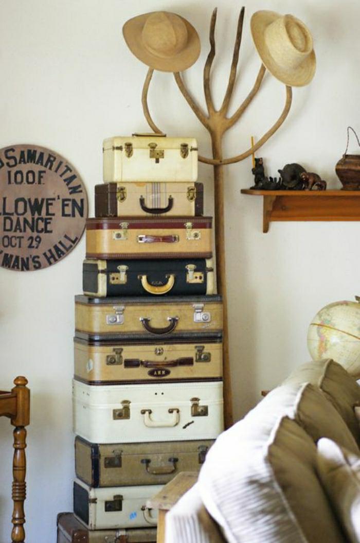 Valises-vintage-mobilier-originale-etagere