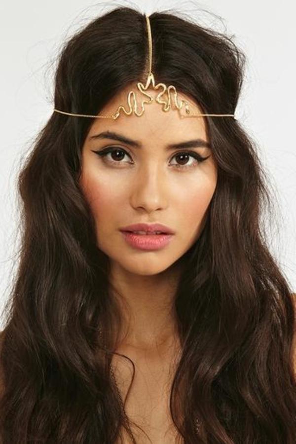 accessoire-cheveux-bijou-femme-brunette