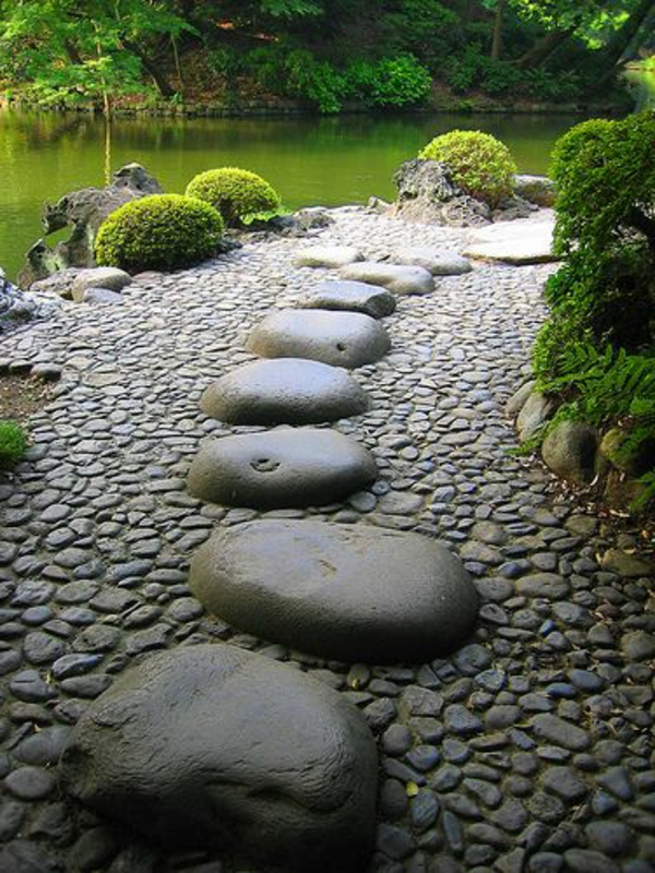 allées-de-jardin-joli-allée-faite-avec-des-pierres