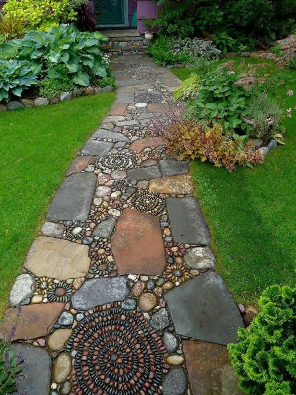allées-de-jardin-une-allée-art-avec-des-mosaiques