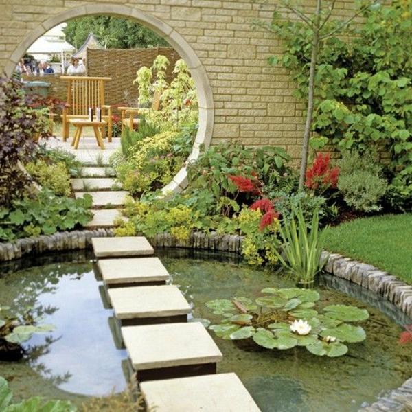 allées-de-jardin-une-allée-flottante-de-jardin