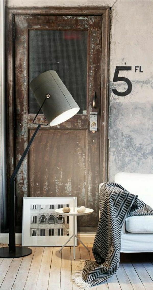aménagement-industriel-mobilier-industriel-lampe-de-lecture-gris-deco-gris-canapé