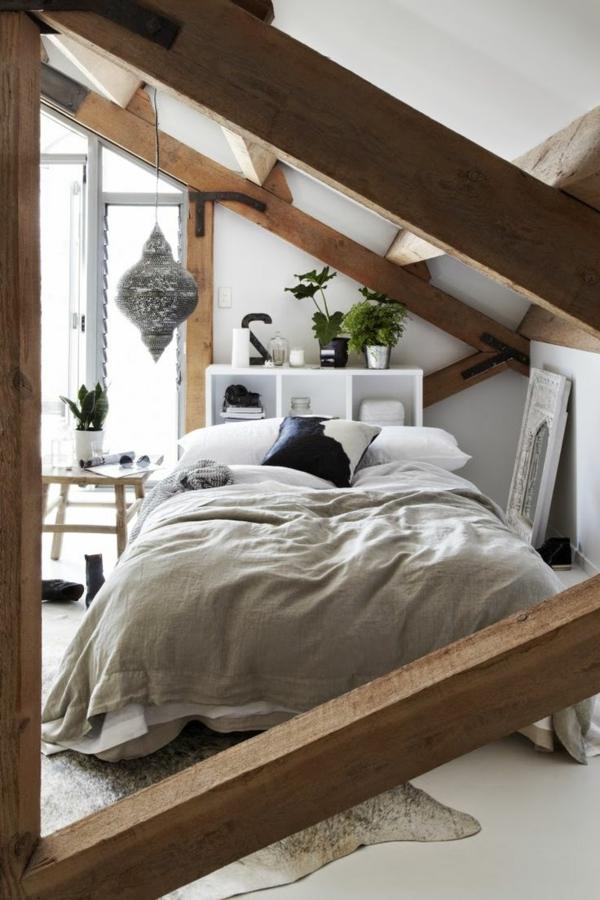 Le placard sous pente trouvez une inspiration for Amenagement chambre a coucher
