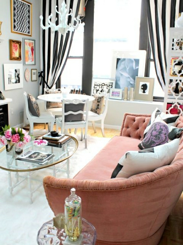 ambiance-cocooning-rideaux-colorés-blanc-noir-fenetre-grande