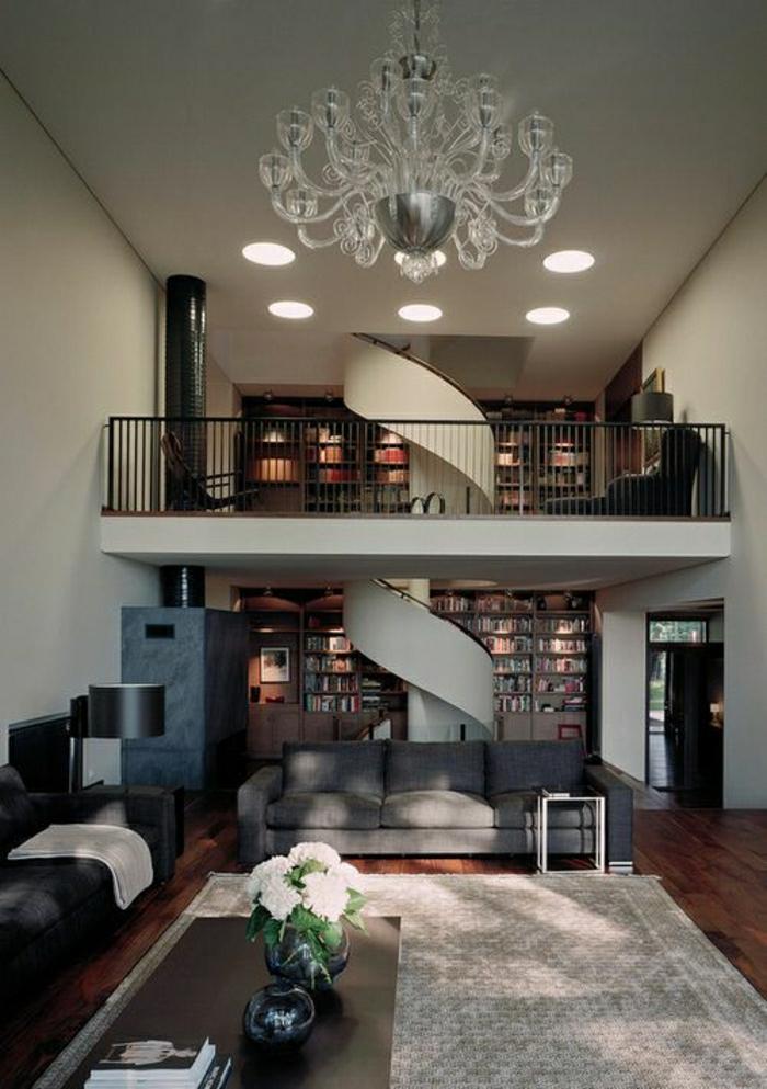atelier-atypique-loft-paris-maison-architecte-tapis-beige-lustre-de-luxe-escalier