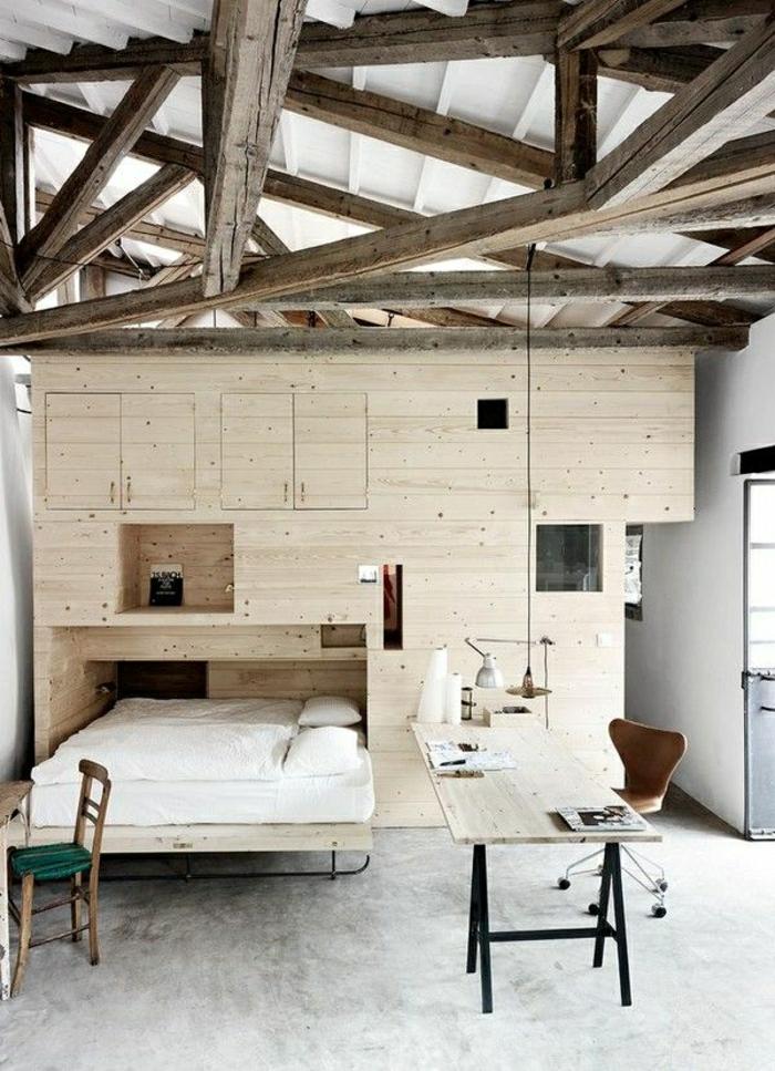 ateliers-et-lofts-plafond-haut-intérieur-en-bois-lit-suspendu-bureau de-travail