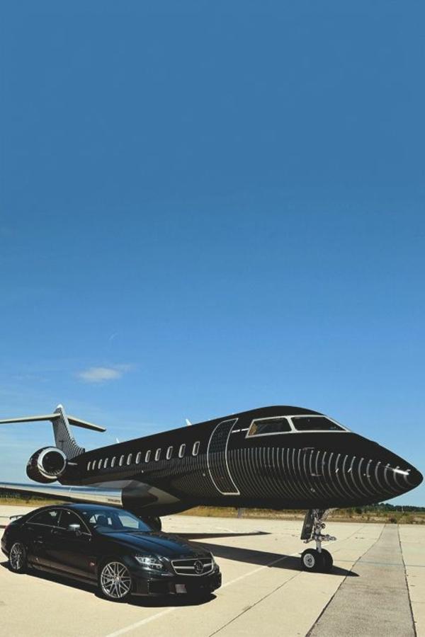 avion-privé-noir-luxe-voiture-noire