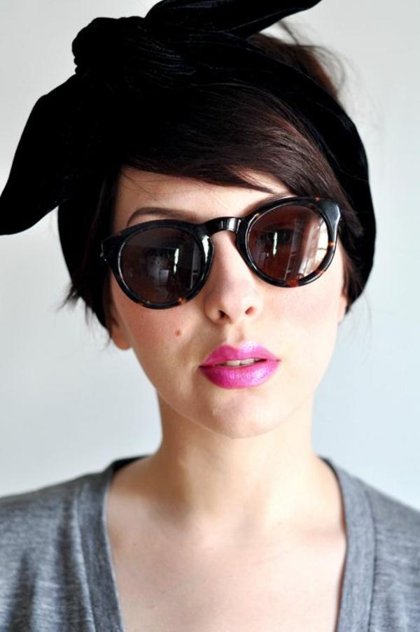 bandana-noir-cheveux-brunes-fille