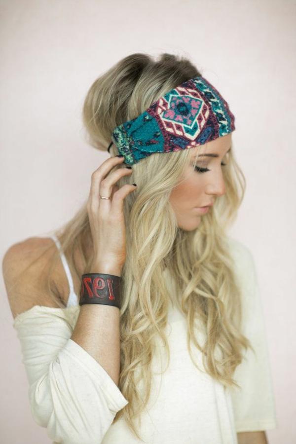 bandeau-cheveux-coloré-fille-cheveux-longs-blondes