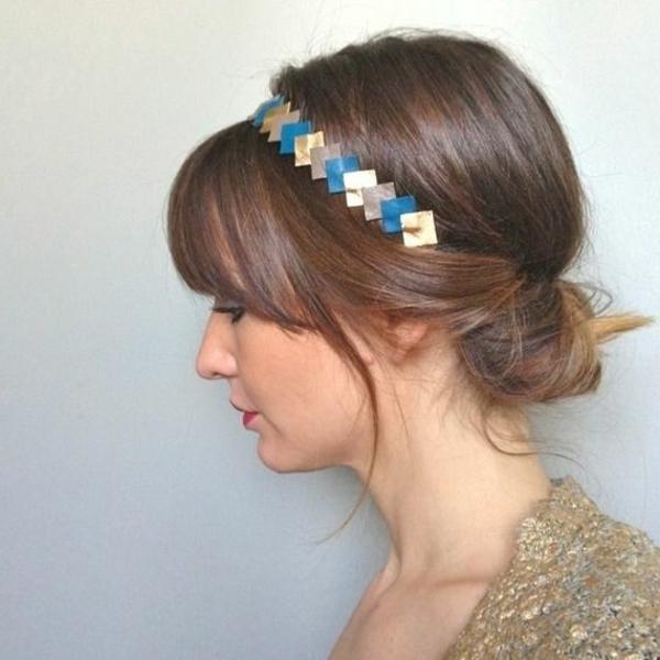 barette-cheveux-coloré-brune-fille
