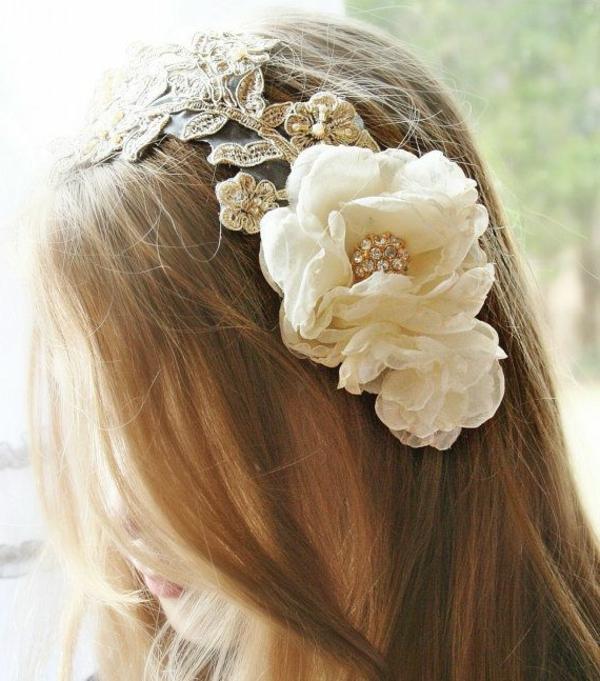 bijou-de-cheveux-idée-créative-cheveux-avec-fleurs-couronne-de-fleurs