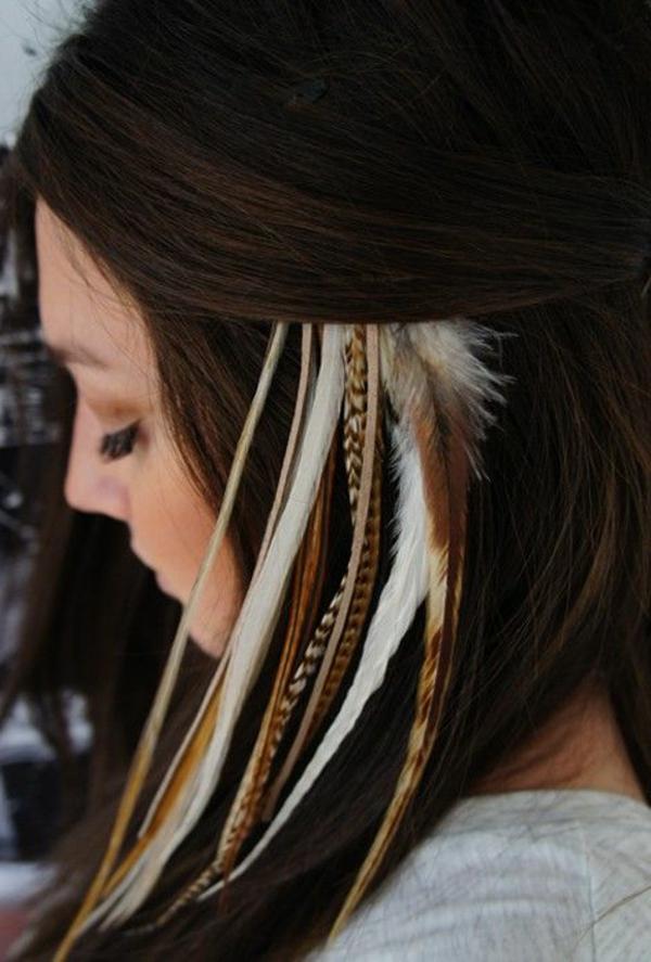 bijou-de-tete-fille-brunette-bohéme-plumes